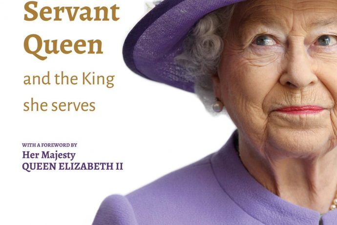 Book review & giveaway: 'The servant Queen & the King she serves'.
