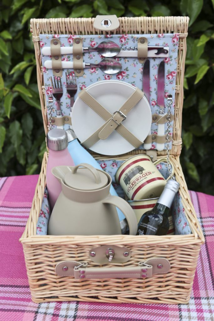 This picnic hamper really is a box of co-ordinated delights and the Cath Kidston style blue and pink floral lining is a lovely finishing touch.