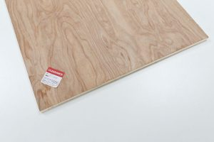 Off-cut of 12mm plywood from B&Q. Only £1.