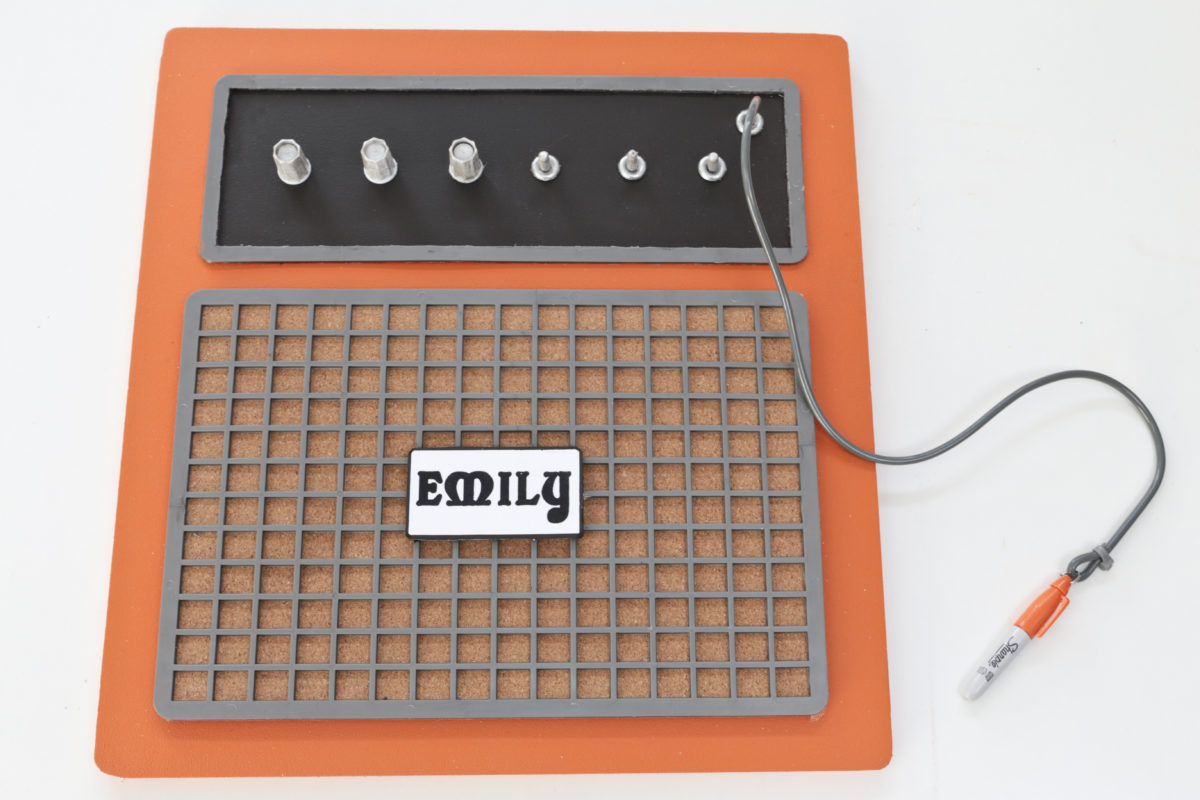 The completed guitar amplifier pinboard. I attached a small Sharpie pen to the end of the cable.