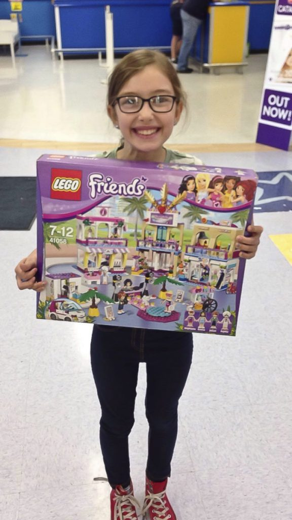 The Fair Maiden Emily is absolutely delighted to complete her Quest and find the Holy Grail in Toys R Us with the help of Sir Kyle, The elusive Lego Friends Mall