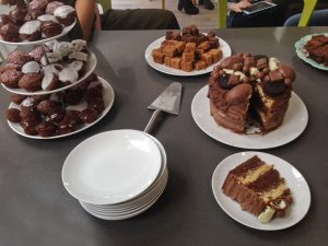 #BloggersBeatingCancer Coffee Morning Cake Selection with cupcakes, chocolate cake and cake stand with cakes