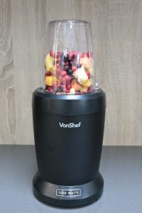 I've added my own recipe mix of frozen summer berries, mango and melon to the VonShef Ultrablend.