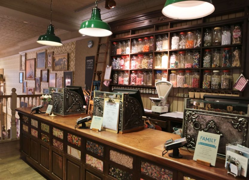 White Stuff, Nottingham: It's more than a shop, it's an experience. I check out their new homeware range.