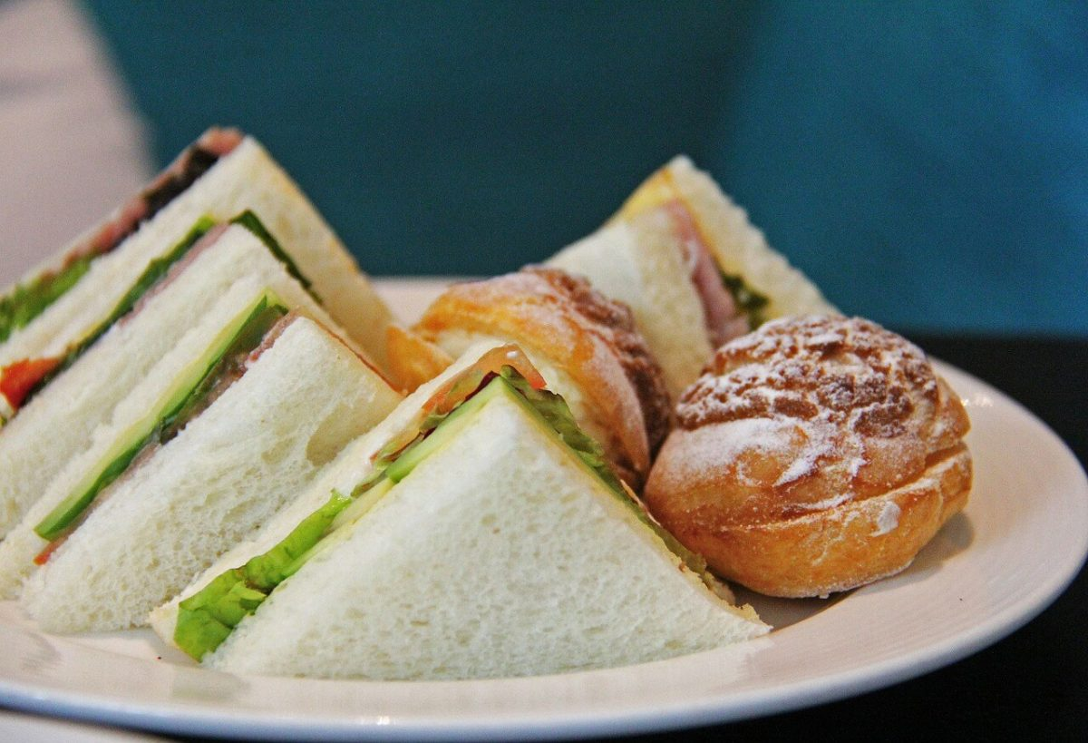 Afternoon TEa: Sandwiches and cake on a plate