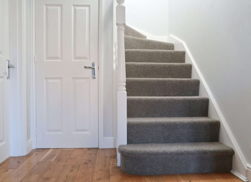 10 tips for choosing carpets for high traffic areas like halls & stairs.