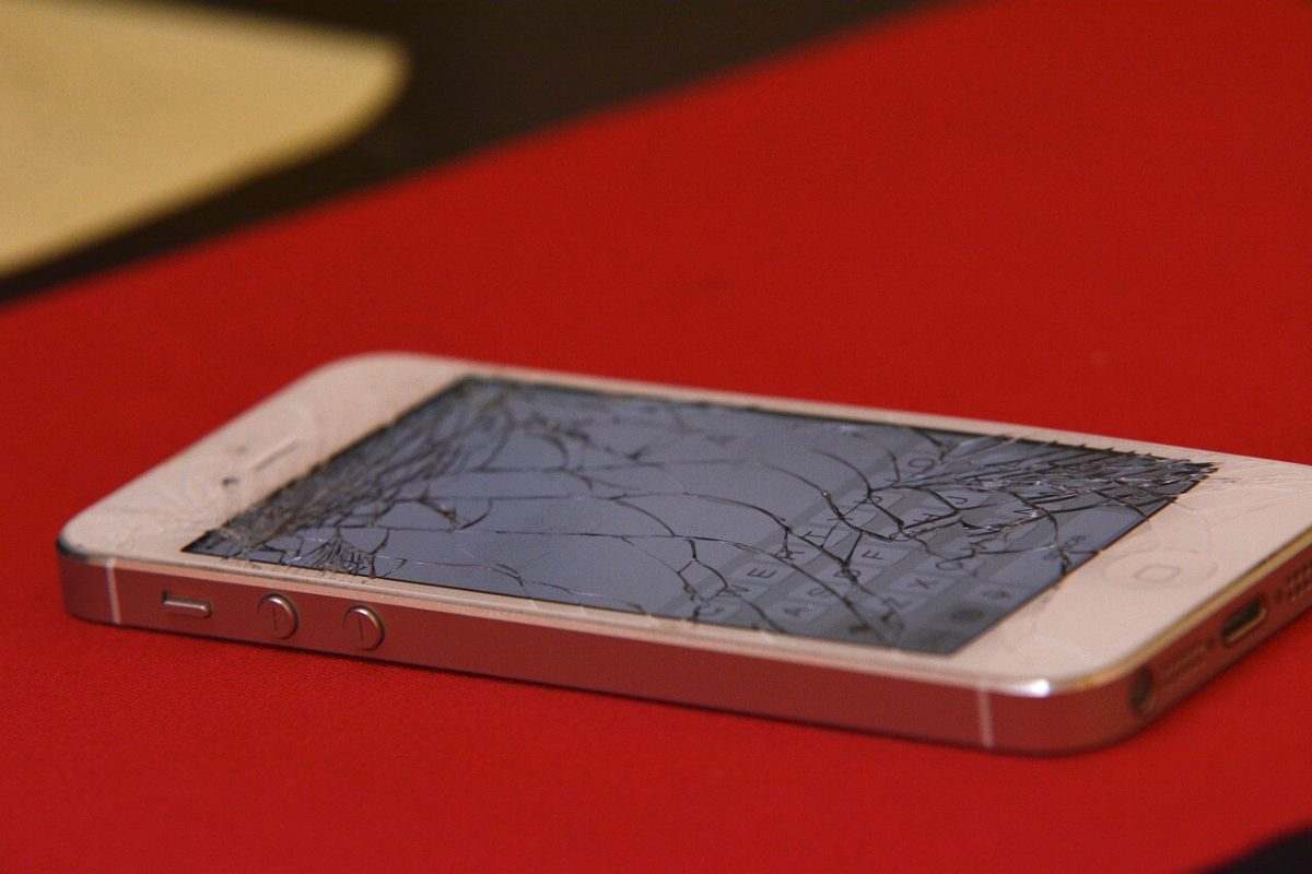iphone with a smashed screen