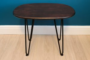DIY Retro Side Table The finished table with hairpin legs and walnut varnish